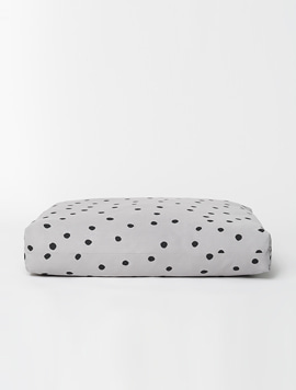 LOUIS CUSHION. DOT
